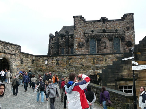 Scottish War Memeorial at Edinburgh Castle side view