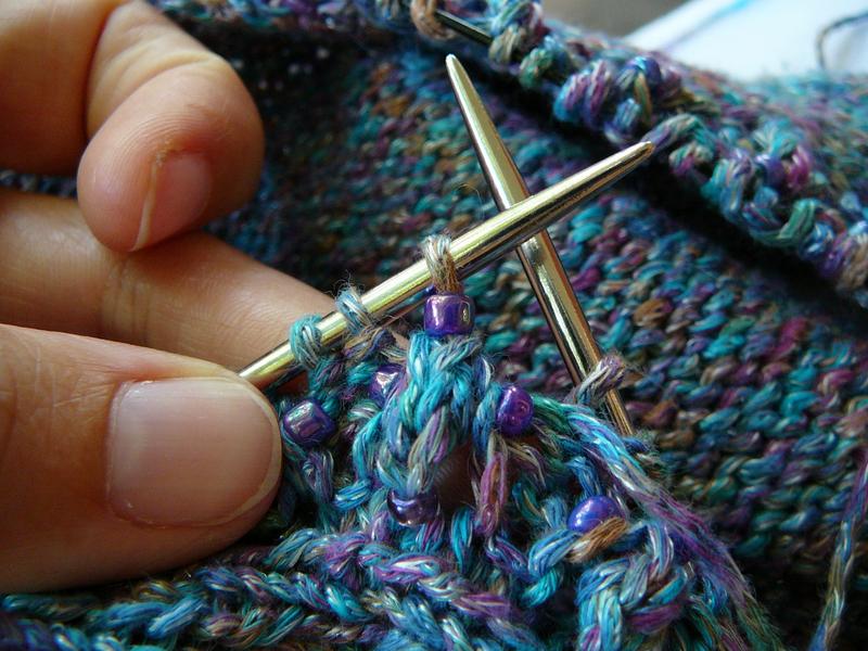 11_bead_on_stitch_on_needle