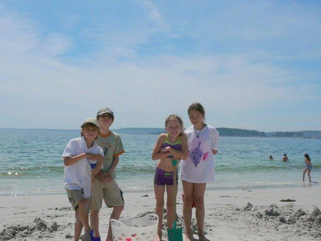 Kids_on_the_beach