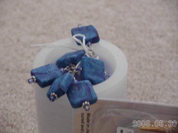 Blue_stitch_holders