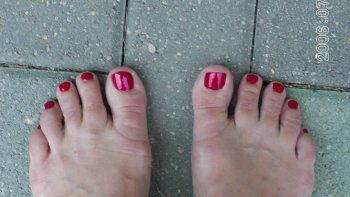 Pretty_toes_2