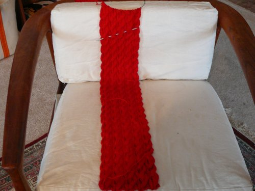 Red_scarf_2007_midpoint